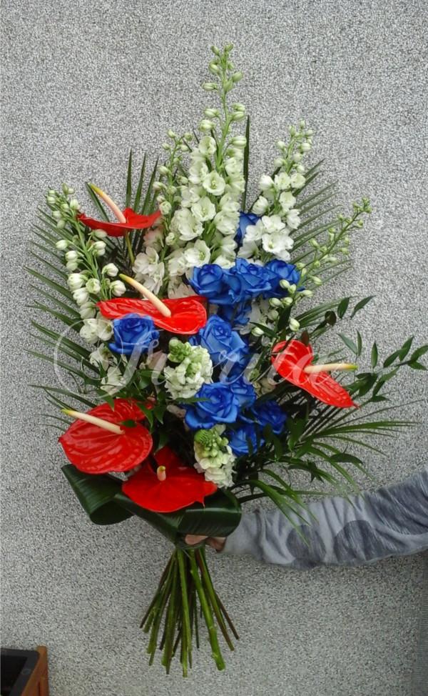 kvetinarstvi-praha-kytice-v-barvach-ceskeho-trikoloru-rozvoz-kvetin-praha