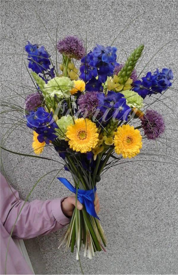 kvetiny-praha-panska-kytice-ostrozka-delphinium-allium-ornithogalum-karafiat-gerbery