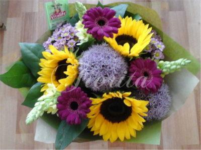 kvetiny-praha-kytice-k-promoci-slunecnice-medvedi-cesnek-gerbery-snedek