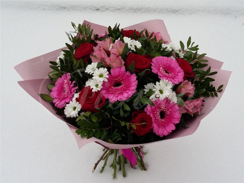 kvetinarstvi-praha-kytice-k-narozeninam-ruze-alstroemerie-santinky-gerbery
