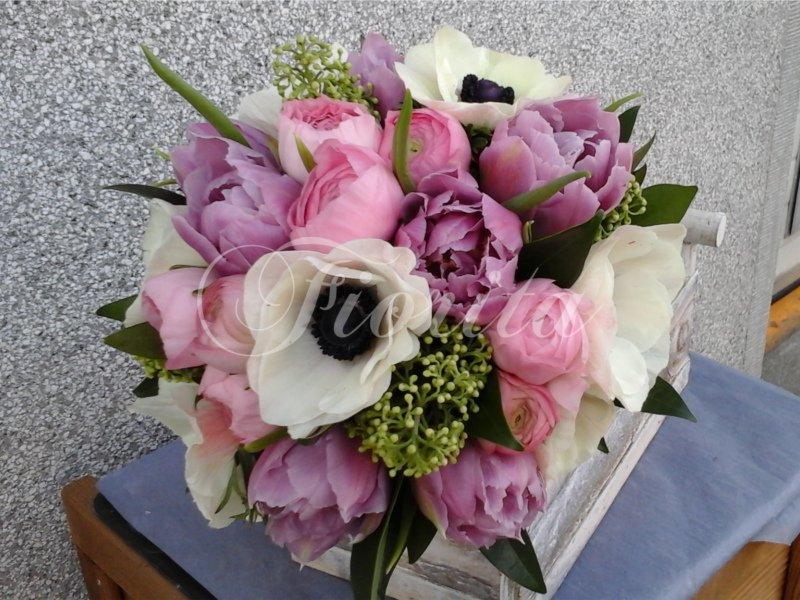 kvetiny-praha-svatebni-kytice-nevesty-anemony-tulipany-pryskyrnik-4