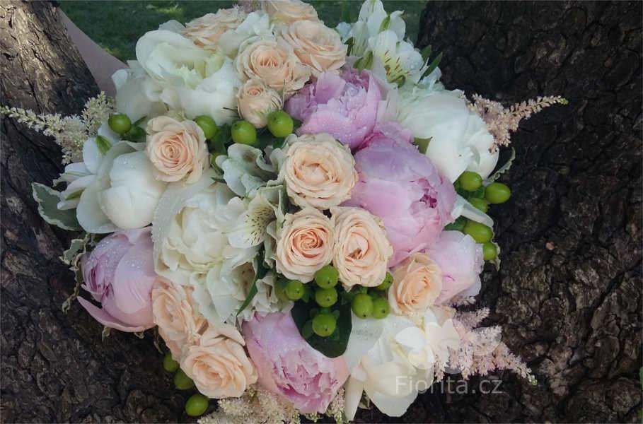 svatebni-kytice-pivonky-peonies-bouquet-buket-s-pionami-6h