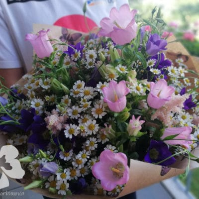 Meadow bouquet with bells L10