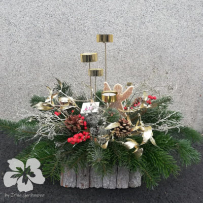 Advent candlestick with ilex